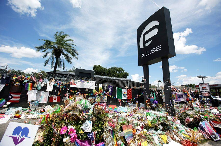 A+makeshift+memorial+made+outside+the+Pulse+Nightclub+days+after+the+shooting.